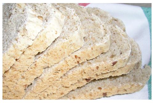 Pan de pipas de girasol y pan blanco francés