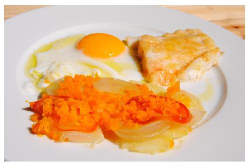Bacalao con verduras y huevo en Horno Solar