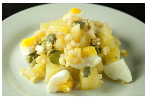 Ensalada de patatas y habas con vinagreta de manzana verde