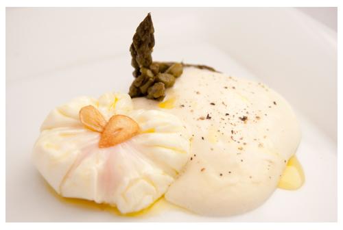 Espuma de patata con huevo poché