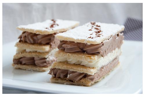 Milhojas de chocolate y nata