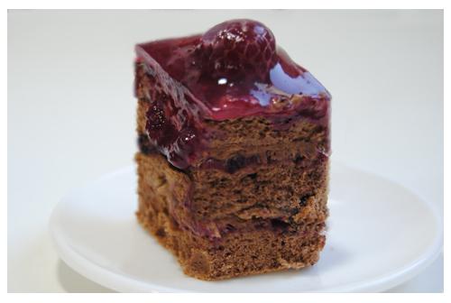 Tarta de chocolate y frutos rojos