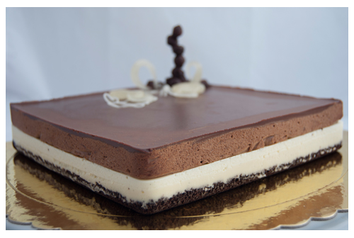 Tarta mousse de chocolate blanco y negro